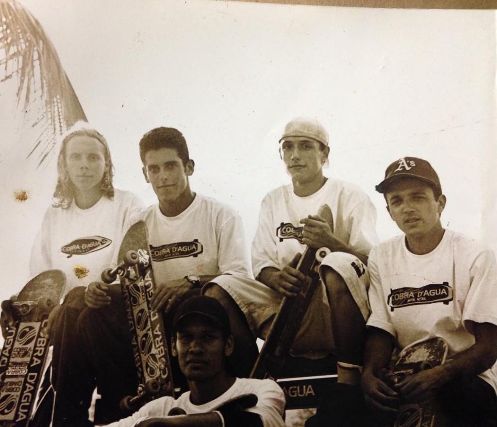 Equipe Skateboard Cobra Dagua 1999 na sequncia Alemo Lucas vitorhellip